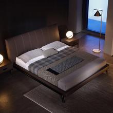意式极简真皮床简约后现代黑色双人床设计师主卧床北欧轻奢铁架床
