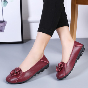 Autumn new style beef tendon sole mother shoes leather shoes soft sole women casual middle-aged and elderly flat sole shoes