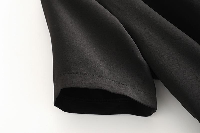 Vestido negro con cuello en V y costuras a la moda NHAM154828