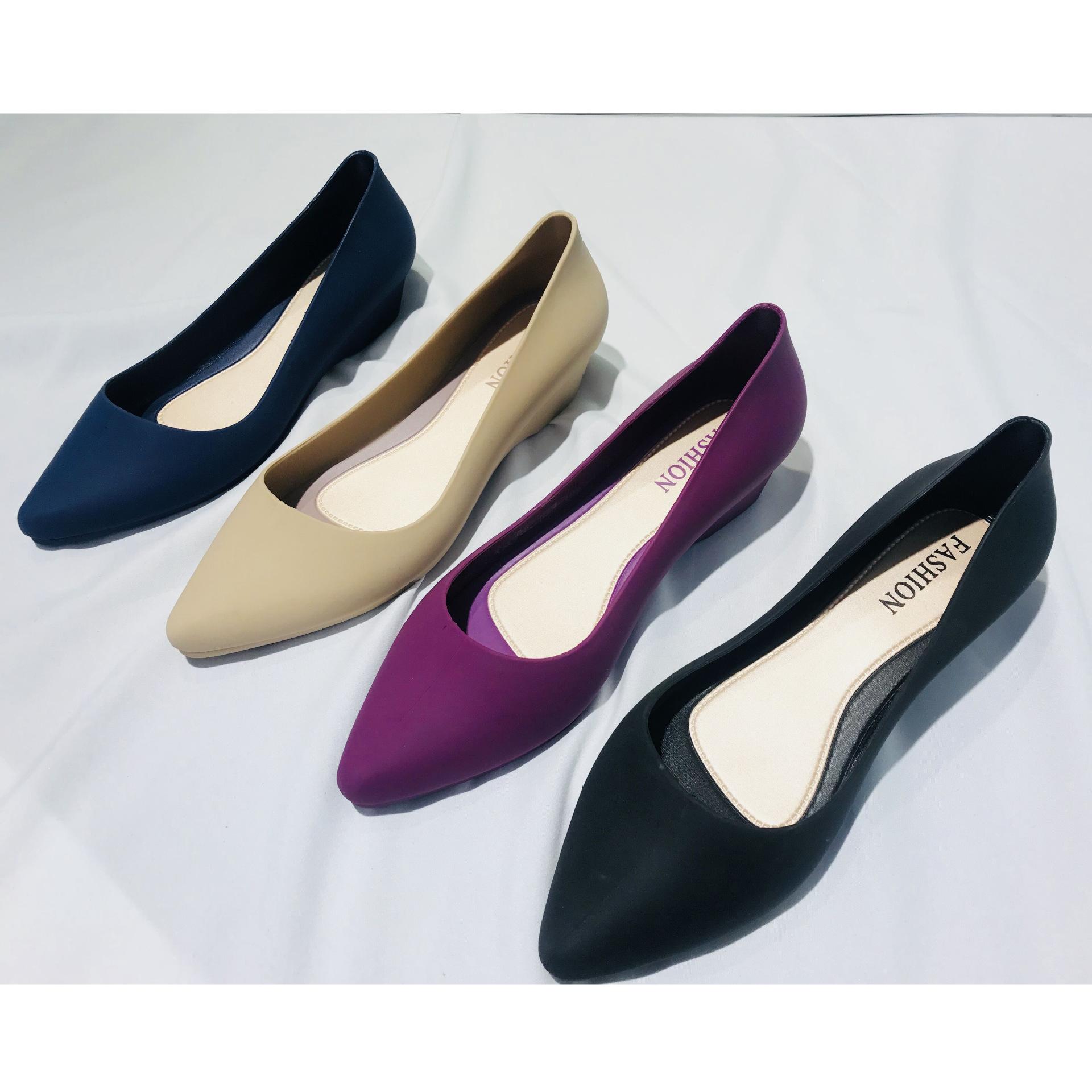 新款尖頭單鞋女四季鞋平跟淺口果凍鞋坡跟橡膠鞋休閑工作單跟鞋女