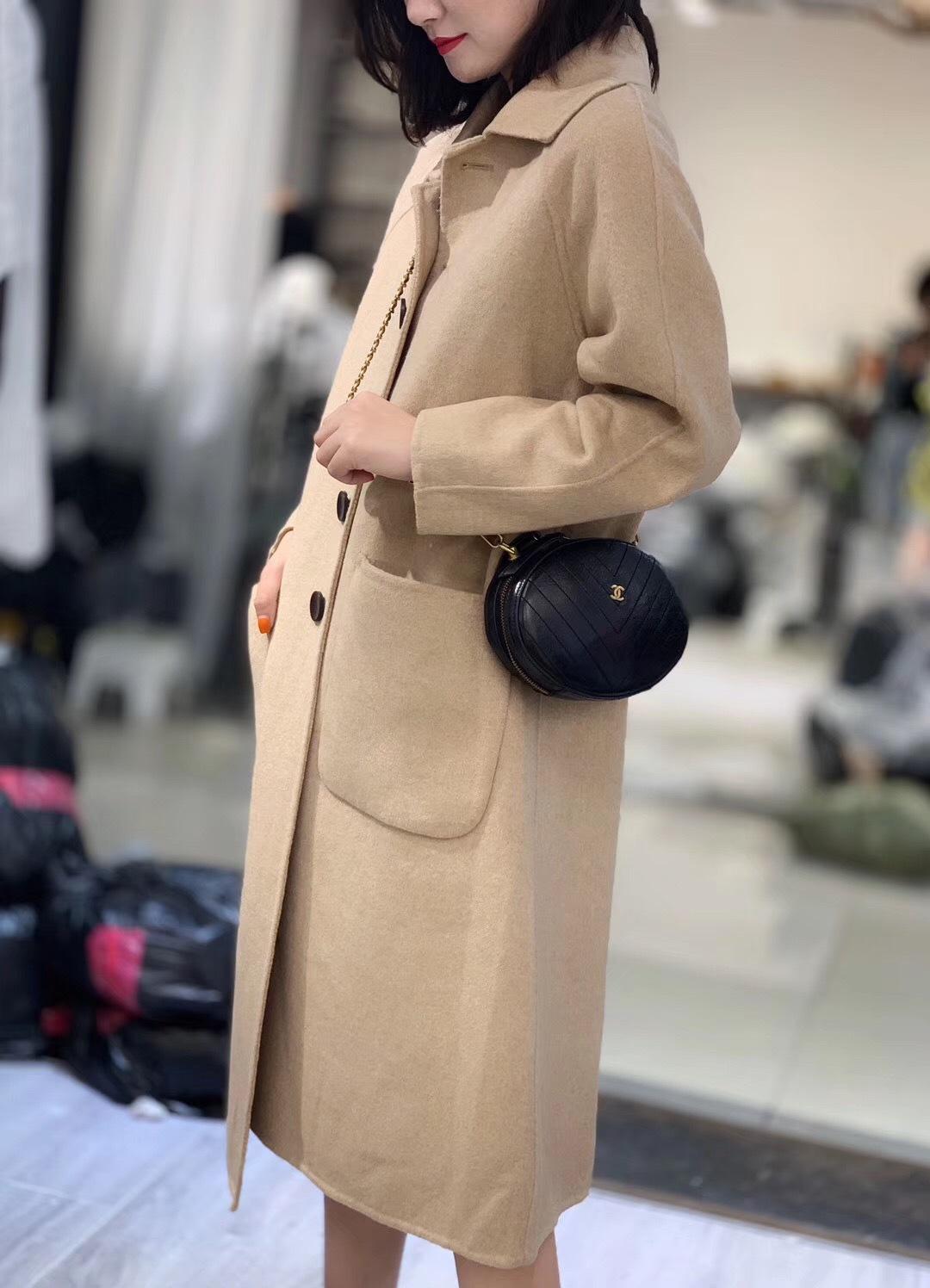反季高端精品时尚大气,双面羊绒小翻领设计长款大衣