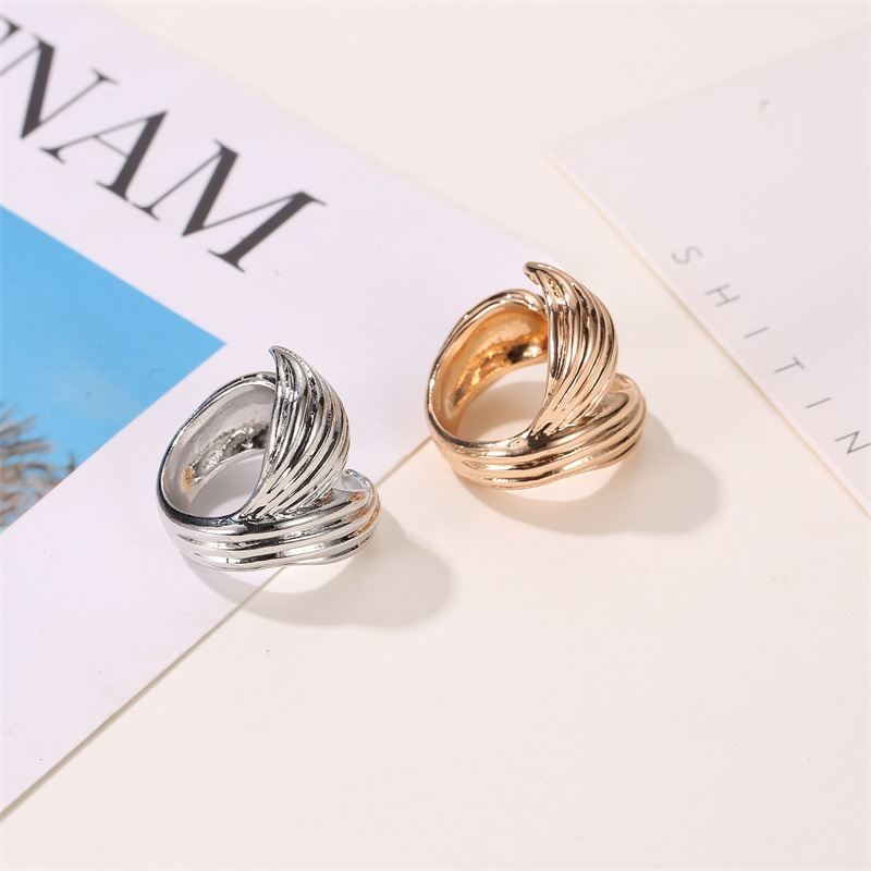 Fashion exaggerated metal wave opening ring creative fishtail lady temperament tail ring NHDP176208