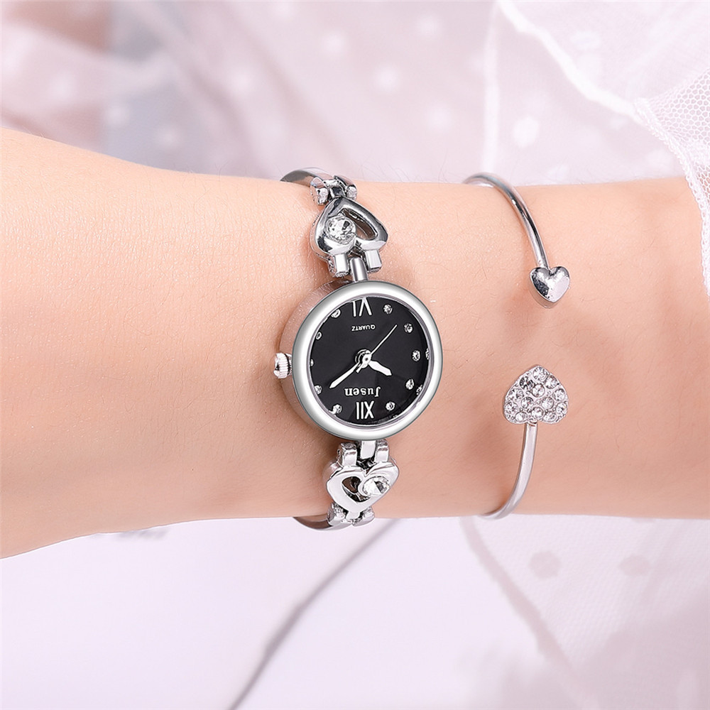 Simple and small rhinestone student watch cute small dial love diamond bracelet watch ladies watch wholesale nihaojewelry NHSS220626