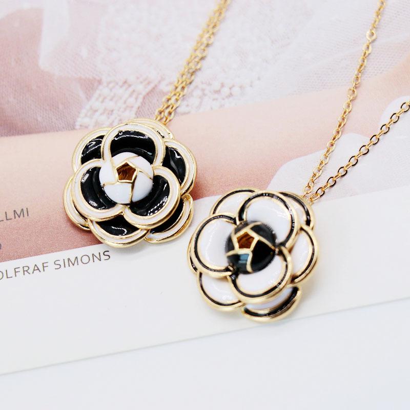 Fashion simple multilayered petal flower pendant necklace NHOM155037