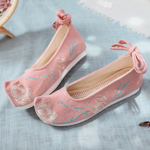 Chinese hanfu shoes princess fairy cosplay shoes Women arched shoes with upturned head and embroidered shoes with flat soles