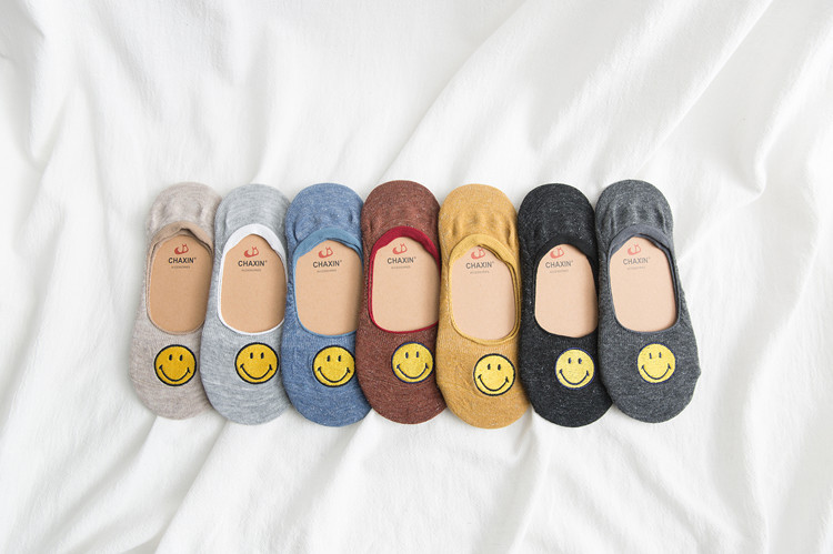 Spring new female boat socks shallow mouth invisible female socks cartoon smiling silicone skidproof cotton socks casual socks NHER206444