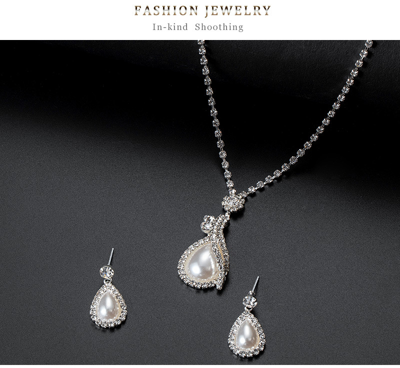 Womens teardrop electroplated Rhinestone alloy Necklaces NHDR127314