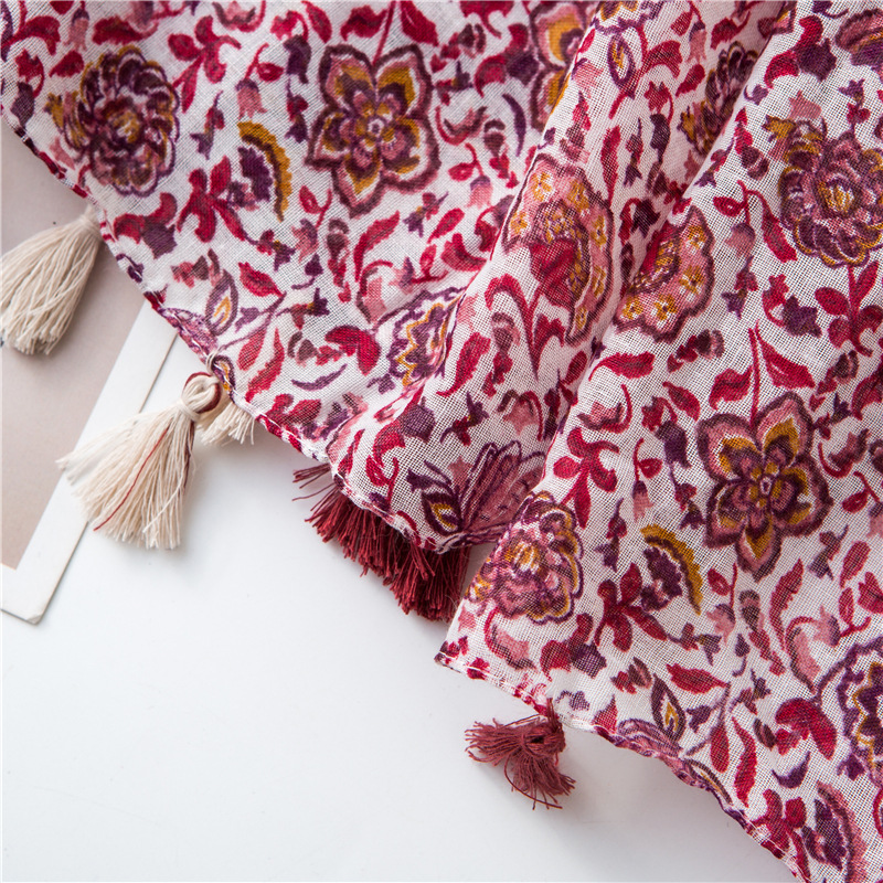 Fashion red and white contrast color flower print cotton scarf NHGD158424
