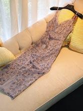 2019新款紫色亮丝印花连衣裙女碎花高开叉设计?#34892;?#36523;吊带中长裙