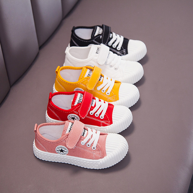 2020 ربيع جديد الفتيان والفتيات الأحذية القماشية الأطفال المتوسطة والكبيرة الربيع البسكويت الربيع تنفس أحذية الأطفال عارضة