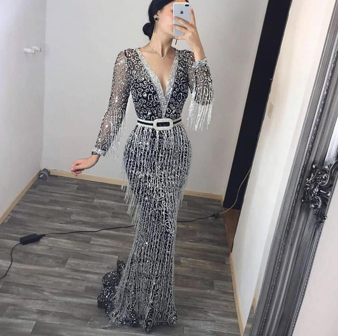 2020 winter European and American foreign trade women's new dress quick sale Amazon long sleeve Sequin tassel Dress NEW