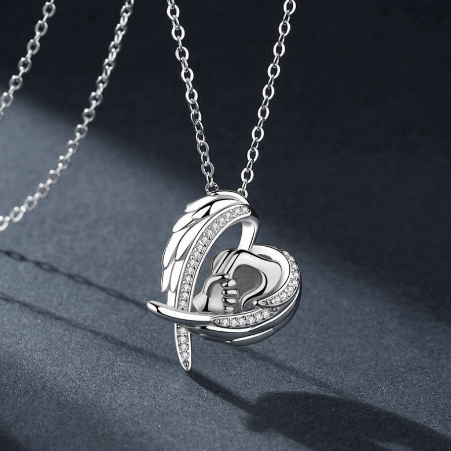 New fashion big hands holding small hands mother39s day necklace angel wings heartshaped necklace wholesale NHKN208029