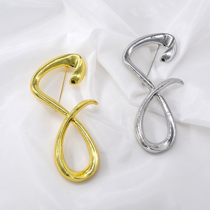 European and American metal exaggerated 8 word styling brooch female simple fashion net red brooch NHNT177552