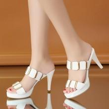 凉拖鞋女夏时?#34892;?#24863;中跟外穿高跟鞋两穿百搭坡跟室外夏天粗跟拖鞋