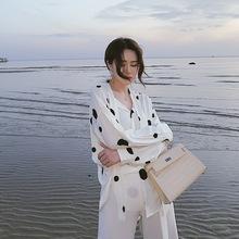 华诚女装 2019春季新款衬衫波点系带时尚弧形下摆宽松衬衣女潮