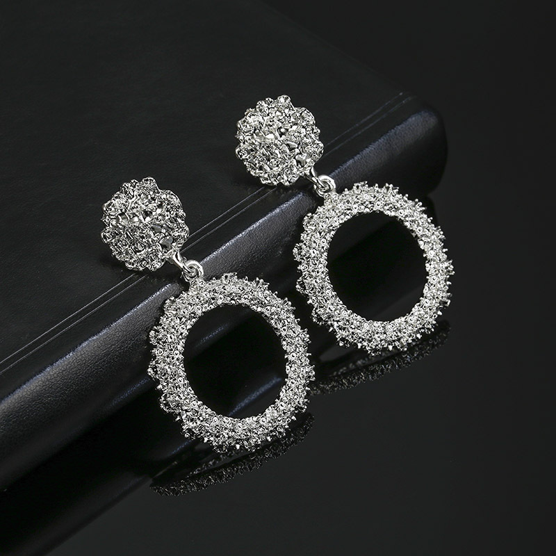 New earrings fashion round alloy spray-painted plating earrings NHPF196138