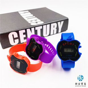 Factory direct sales, hot style watches, stall toys, children's boys and girls black apple-shaped electronic watches