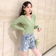 积雨牛油果绿V领显瘦学院韩版2019女装秋装新款内搭外穿针织衫