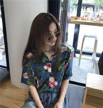 实拍2019春季新款韩版时尚百搭洋气复古花朵短袖衬衣女