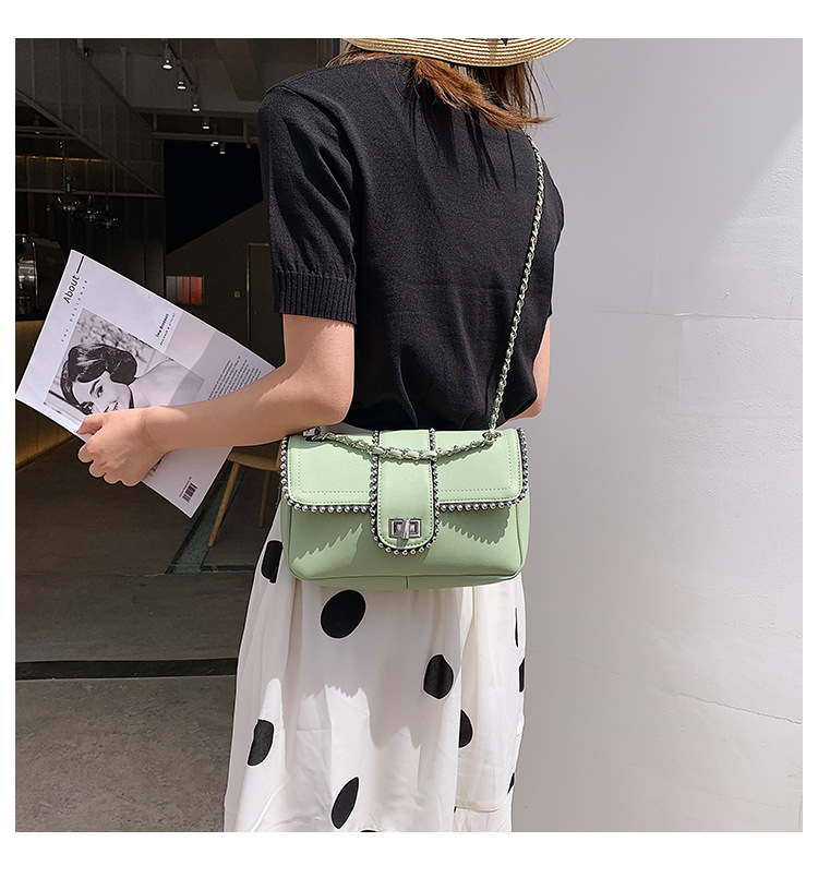 Fashion temperament wild solid color rivet clamshell chain small square bag NHLD158052