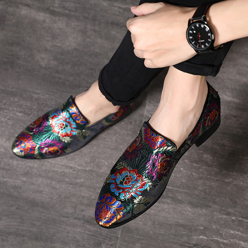 Chinese style singers bar stage performance shoes fashion host trendy shoes Groom barber silk embroidery shoes for men