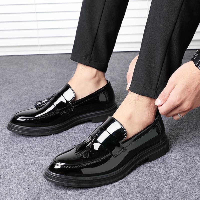 商务男鞋正装休闲鞋英伦透气潮流鞋子漆皮内增高韩版皮鞋男士夏季