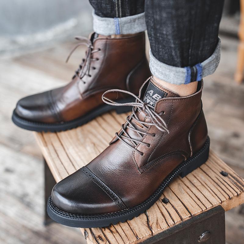 النمط البريطاني الجديد عارضة مارتن الأحذية جلد البقر النسخة الكورية من الأحذية تنفس كل مباراة الأوروبية والأمريكية أزياء الرجال الاتجاه