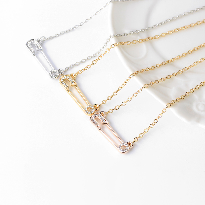 New Letter Necklace Trendy Wild Hollowout Diamond Insert Pin Pendant Necklace Clavicle Chain wholesale nihaojewelry NHCU232807