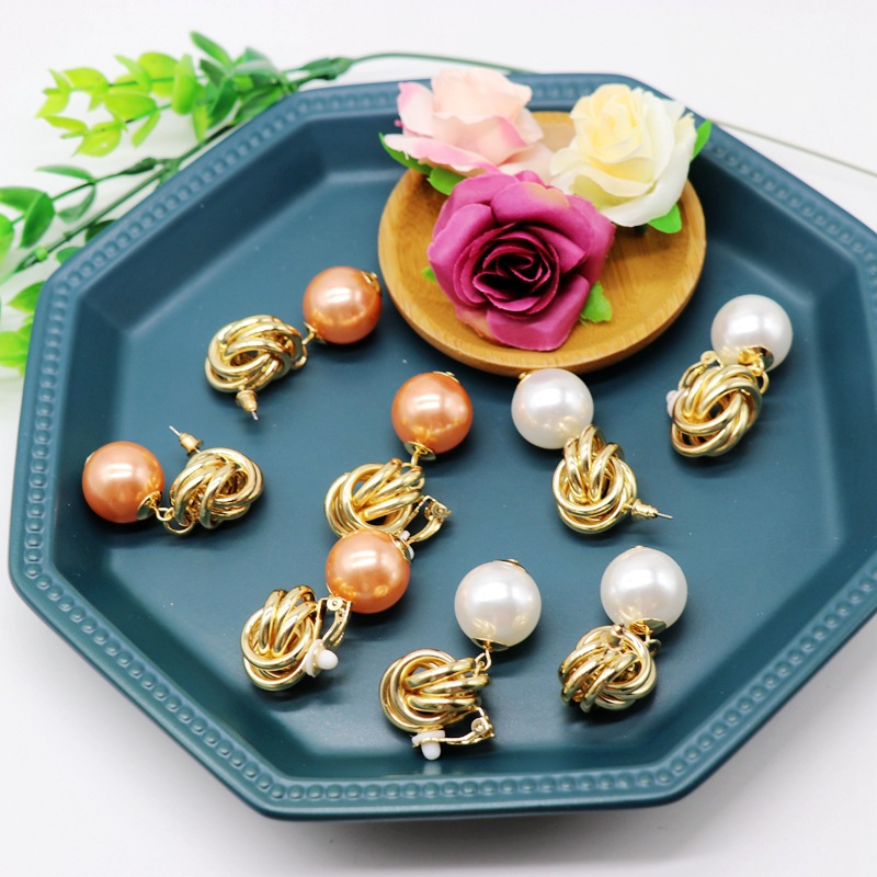 Exquisite large imitation pearl ear clip earrings champagne white pearl stud earrings metal knotted earrings NHOM176509