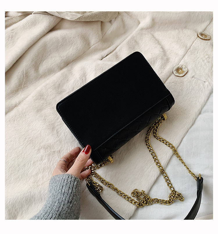New fashion retro rhombic embroidery thread shoulder bag wild chain lock crossbody small square bag wholesale NHPB212224