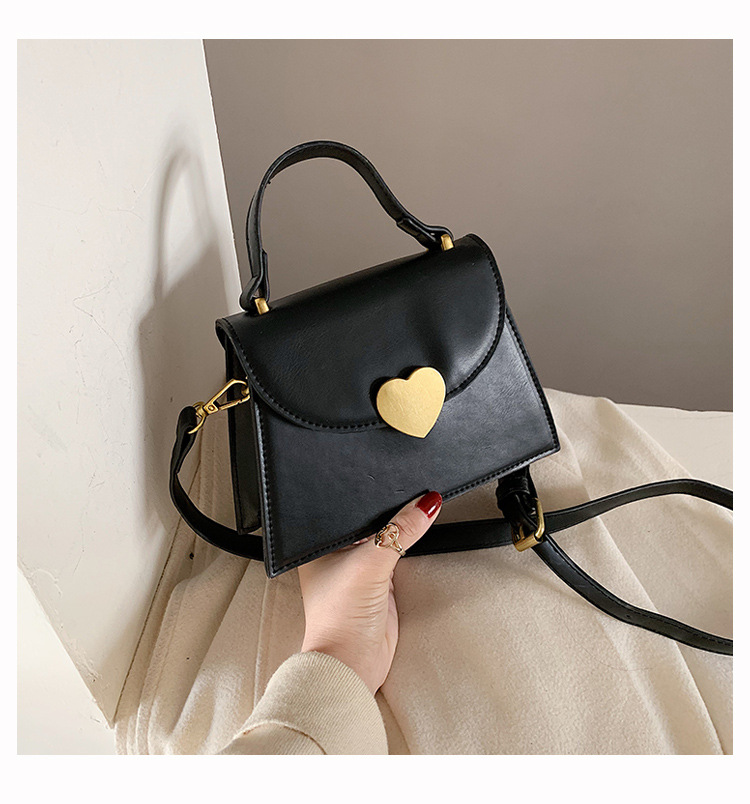 2019 winter love lock solid color new foreign style portable wild messenger small square bag NHLD194099