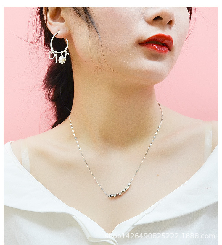 Fashion square box pendant with fish beak chain titanium steel material non-fading non-allergy necklace necklace NHOK182467