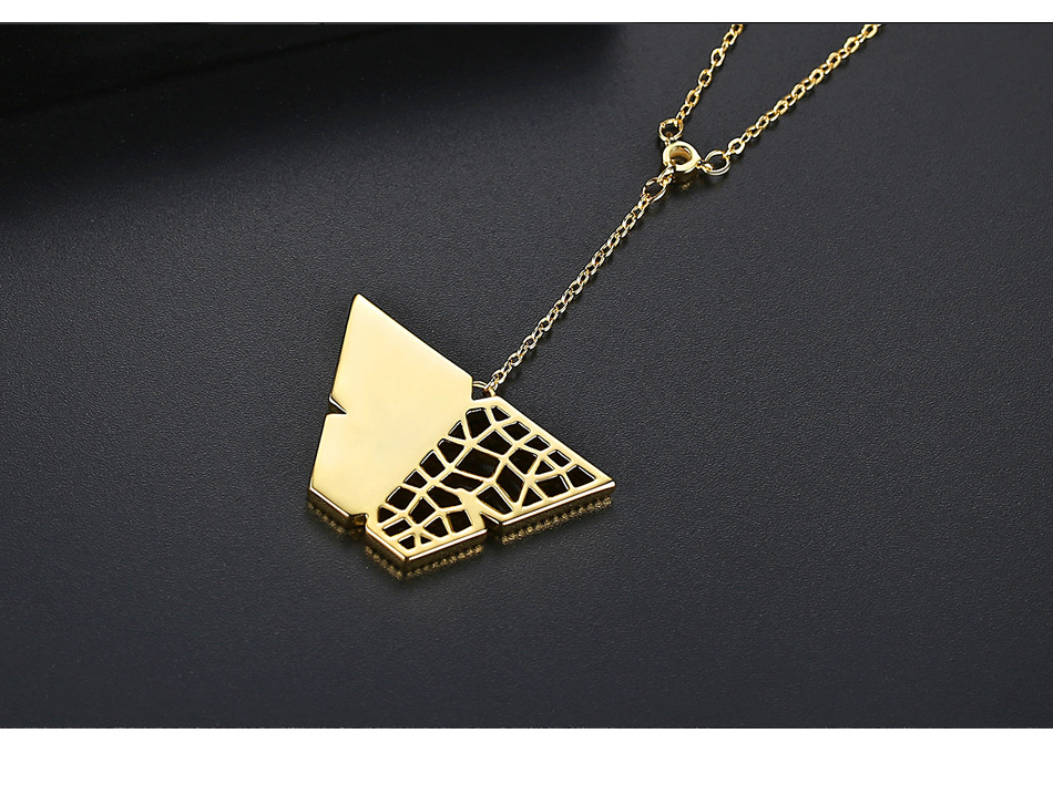Korean simple temperament hollow personality wild copper inlaid zirconium ladies necklace gift necklace NHTM199574