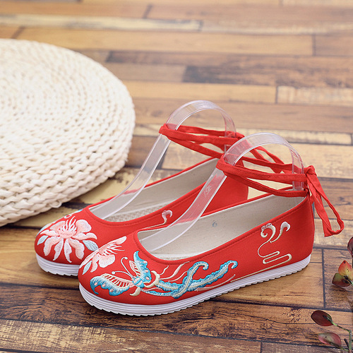Ancient Chinese Hanfu fairy shoes for women Beijing shoes Women's princess performance flat sole shoes lace embroidered shoes ethnic