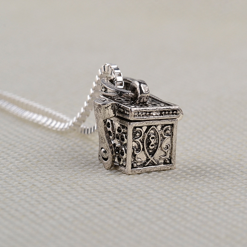 Hot fashion retro box animal pet box pendant necklace yiwu nihaojewelry wholesale NHMO208011