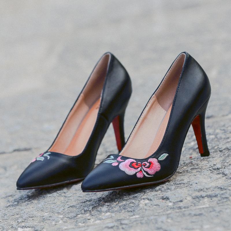 2020夏季新款民族风刺绣高跟鞋女鞋梅开二度时尚尖头女式单鞋