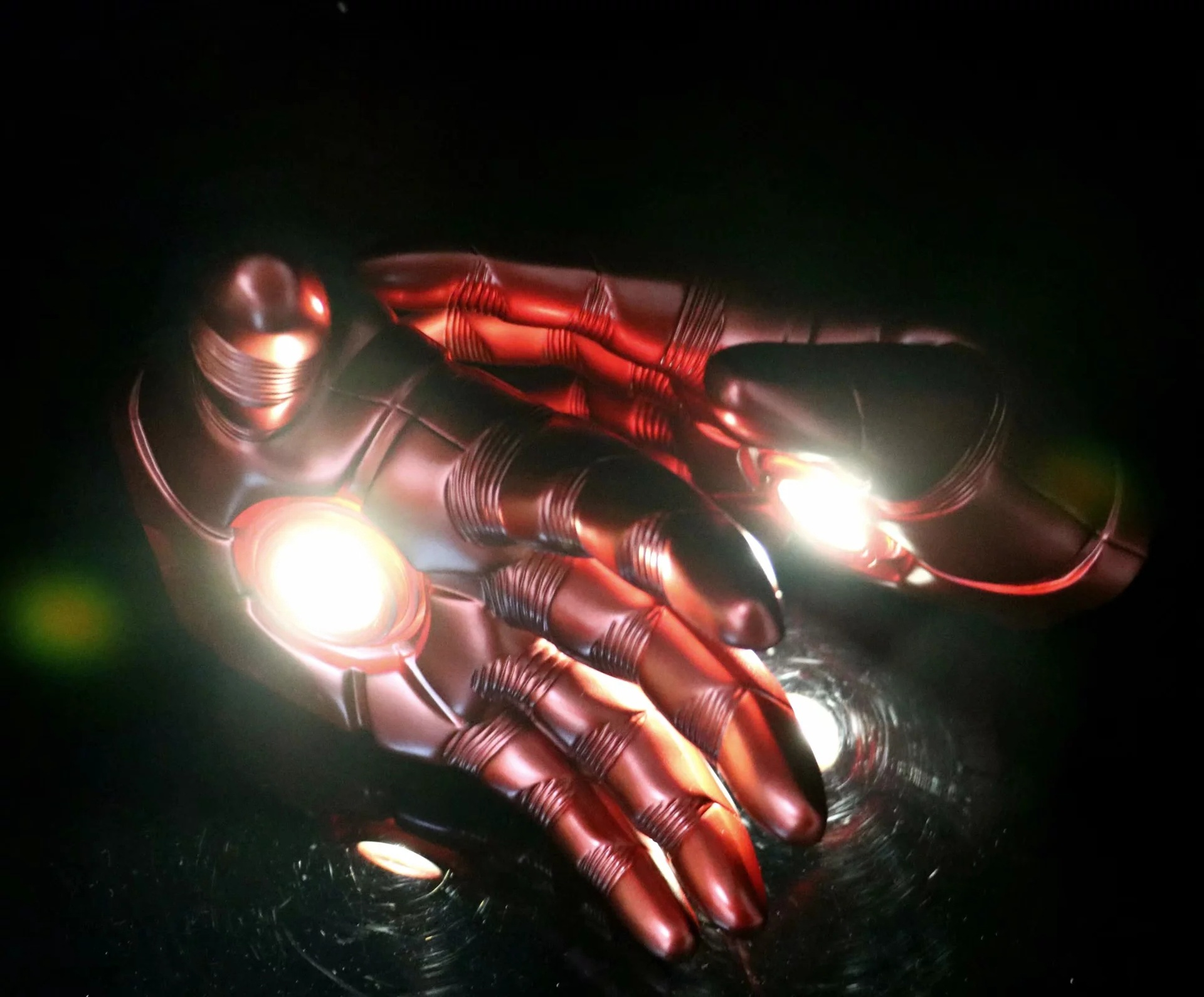 2018 Marvel Superhero Iron Man 1:1 Size Cosplay Gloves Glowing Cos Prop A pair