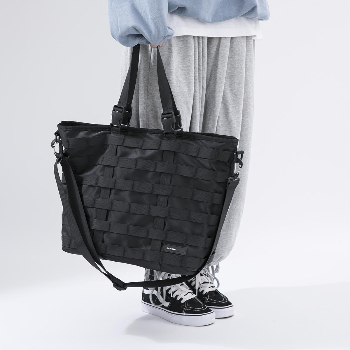 机能斜跨包潮单肩背包休闲ins工装风手提包旅行托特包运动健身包