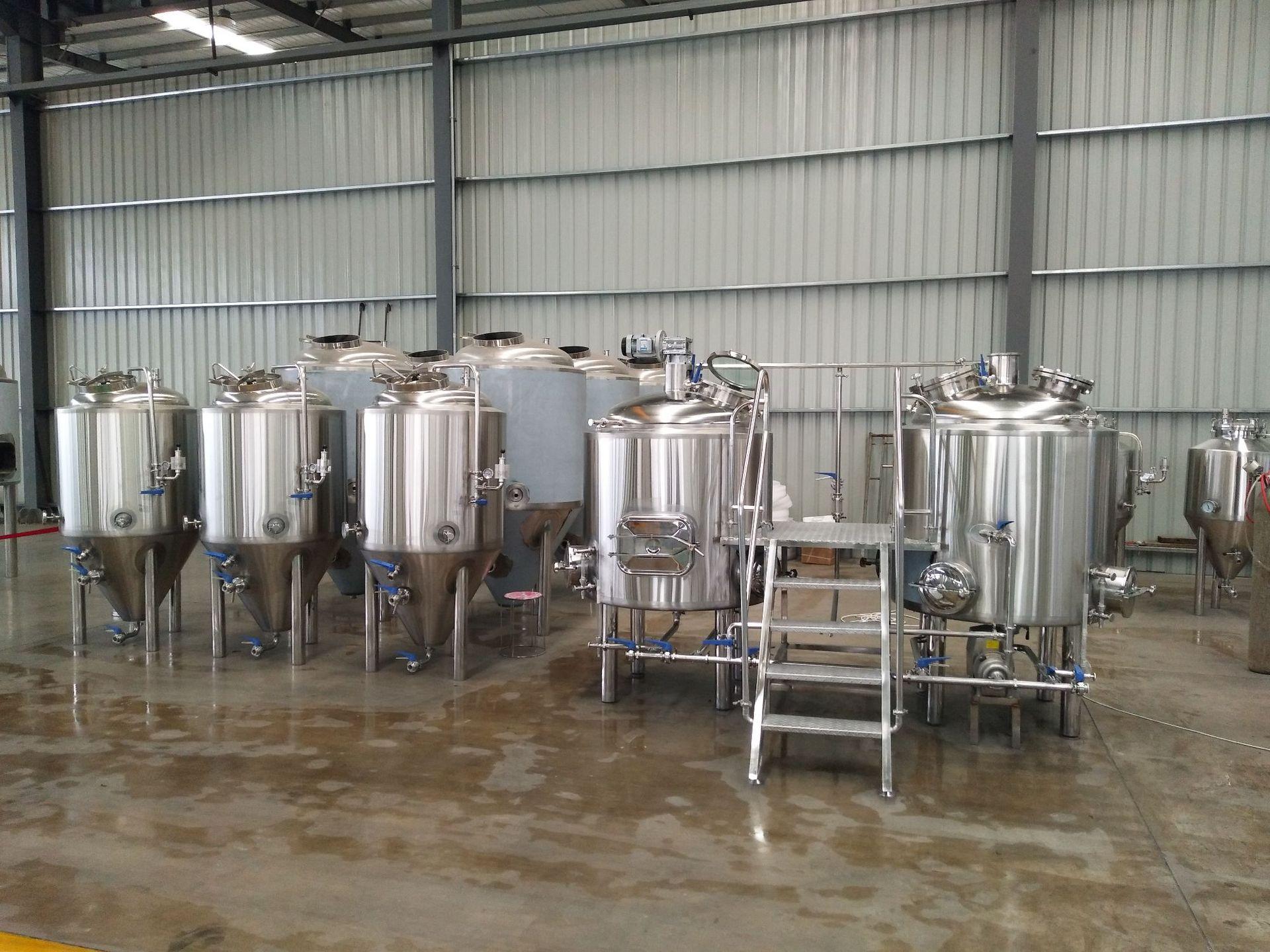 厂家直销小型啤酒生产线 精酿啤酒设备 自酿扎啤机 不锈钢发酵罐