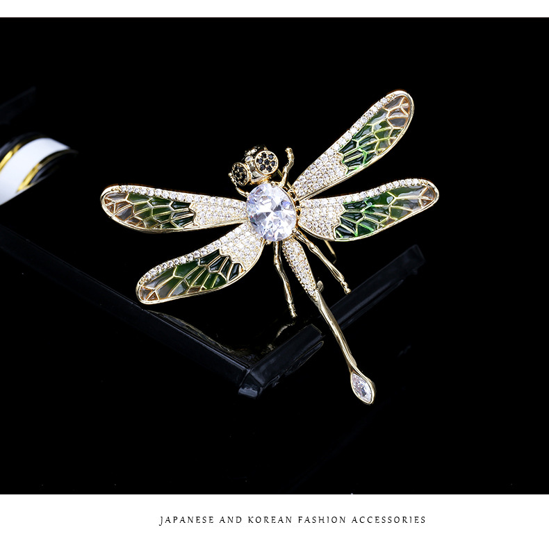 Dragonfly brooch female personality wings pin coat cardigan painted corsage NHDO184009