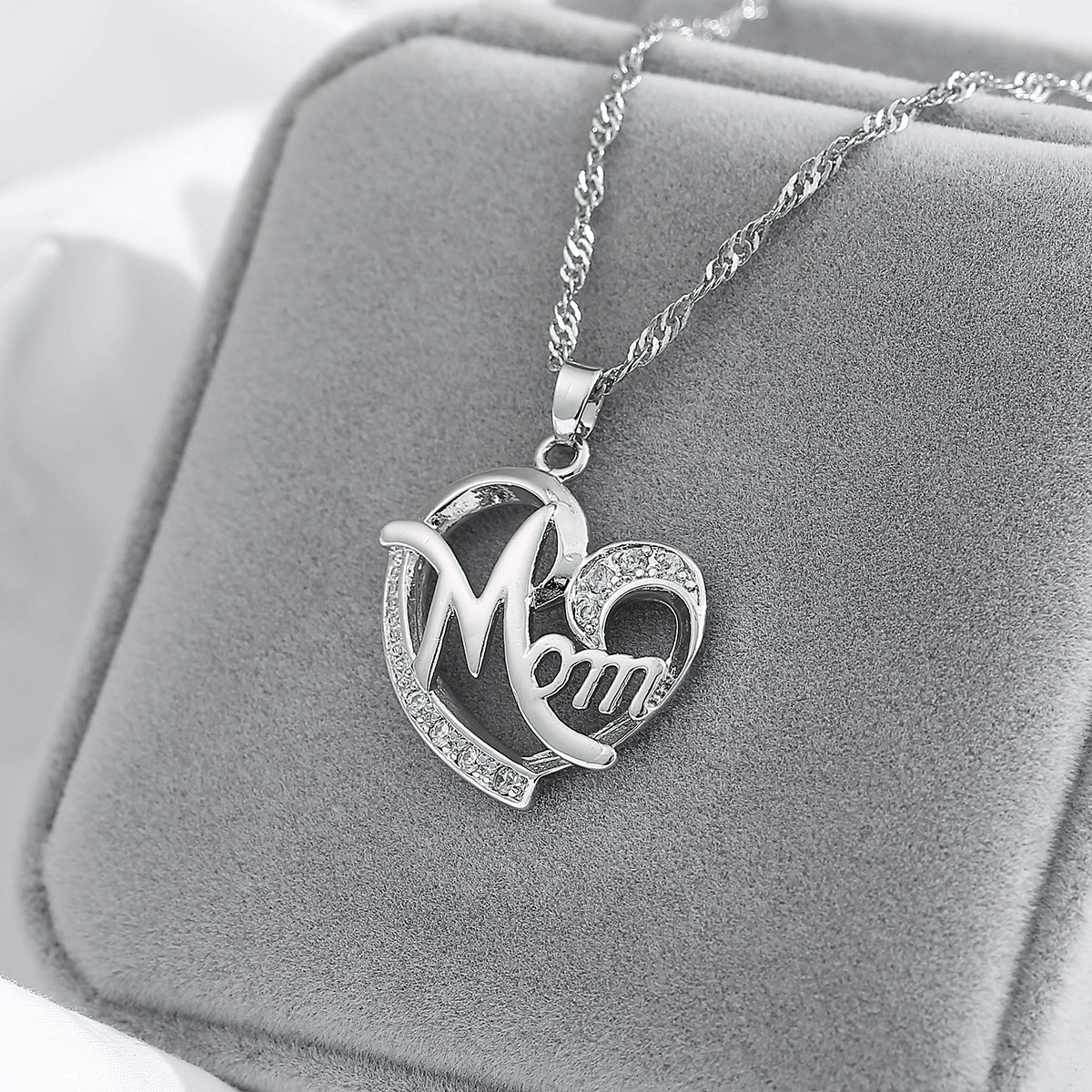 New fashion creative mother39s day gift MOM diamond necklace wholesale NHMO209084