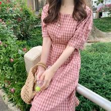 2019鬼马系少女棉麻连衣裙 粉色格子方领绑带收腰显瘦连衣裙
