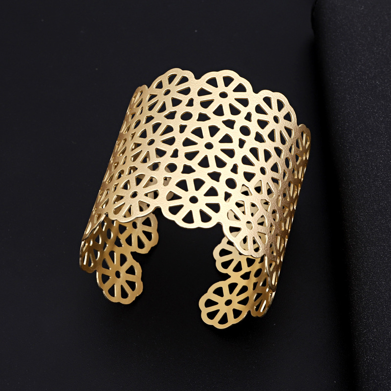 Jewelry Wide Bangle Exaggerated Carved Bracelet Metal Retro Bracelet NHGO204378