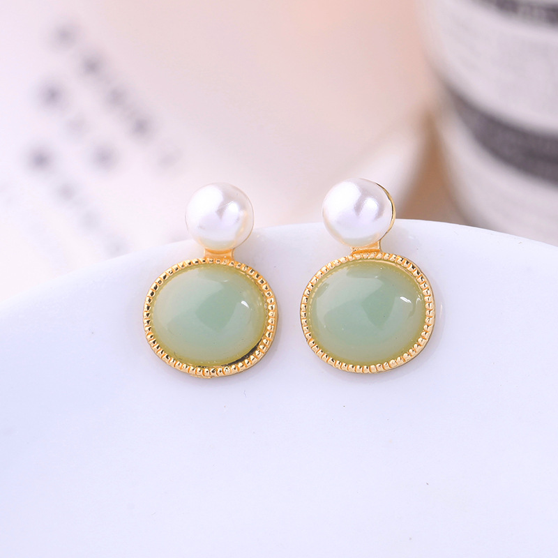 Korean version of the geometric circle earrings fashion pearl earrings female new ear clip NHQD189934