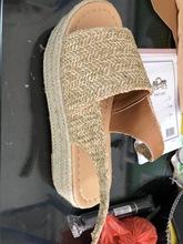 韓國東大門代購女鞋2019夏款歐美編織藤草魚嘴厚底提拉帶坡跟涼鞋