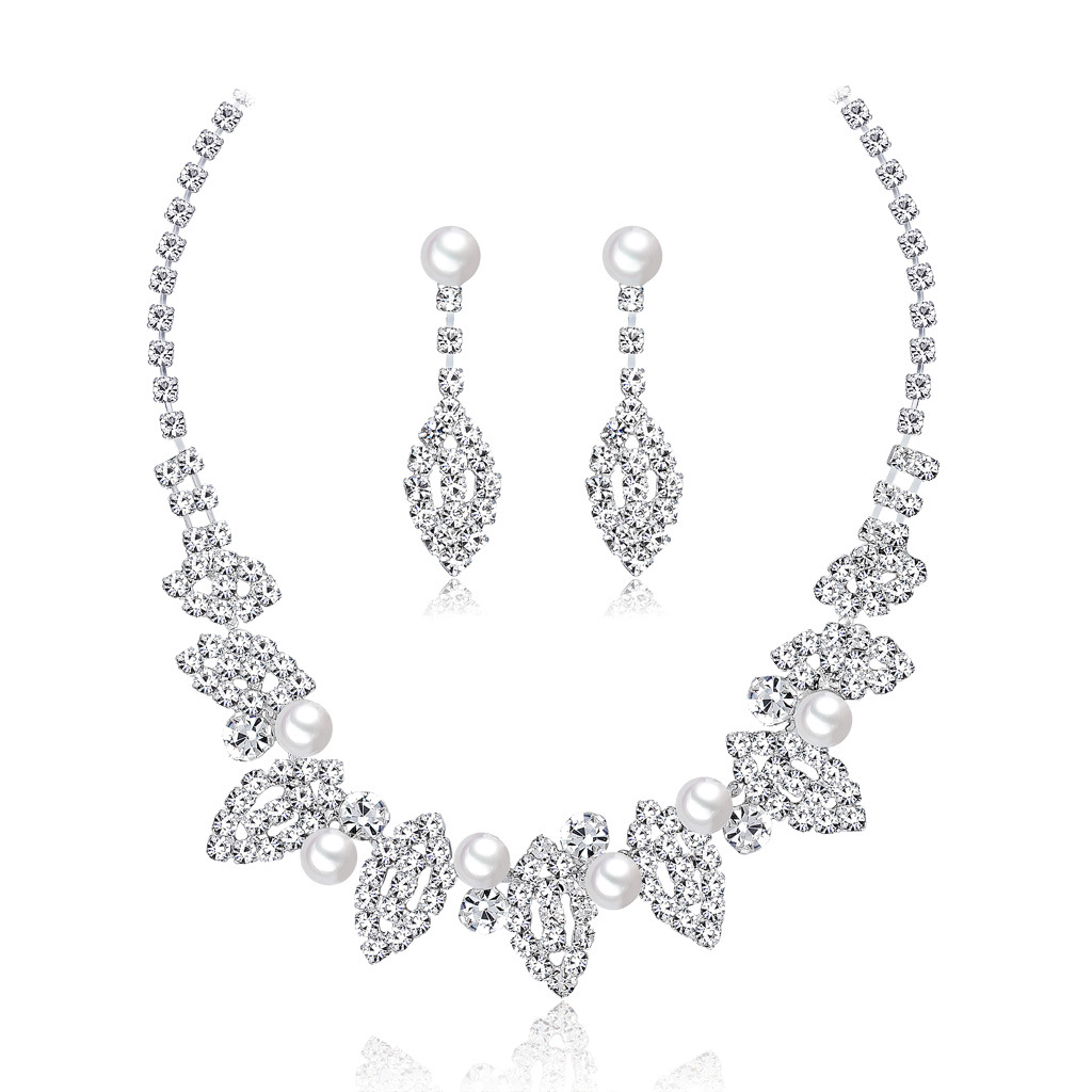 Cross-border hot selling fashion temperament bridal jewelry set All-match wedding dinner bridal necklace and earrings two-piece set