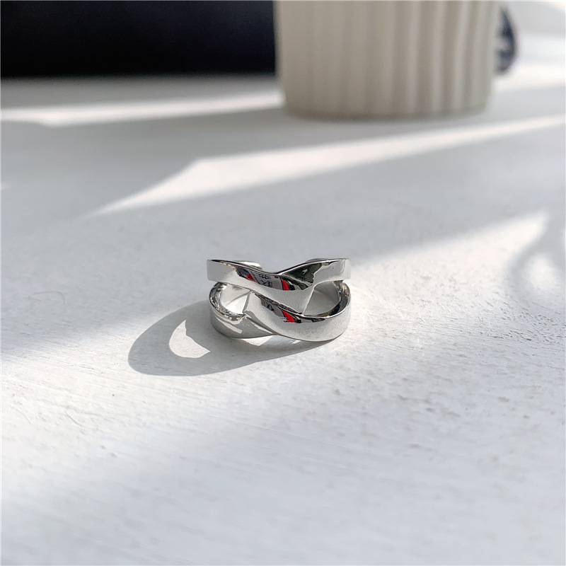Cross cutout twisted rope open ring index finger ring NHYQ187000