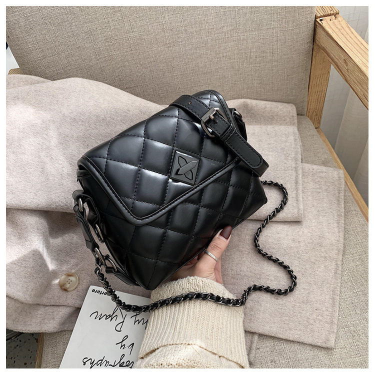 ins small bag female 2019 new fashion western style messenger bag Korean version of the red texture rhombus chain bag NHTC189429