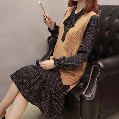 大码女装秋装衬衣领连衣裙配马甲毛衣背心宽松两件套装