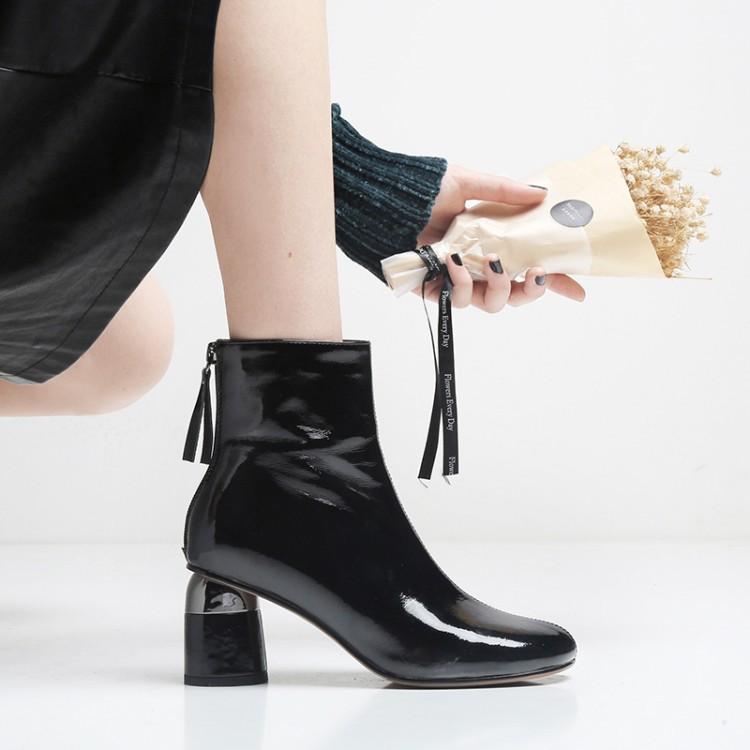 秋冬季皱漆皮时装女靴欧美T台走秀高跟短靴女后拉链流苏真皮单靴